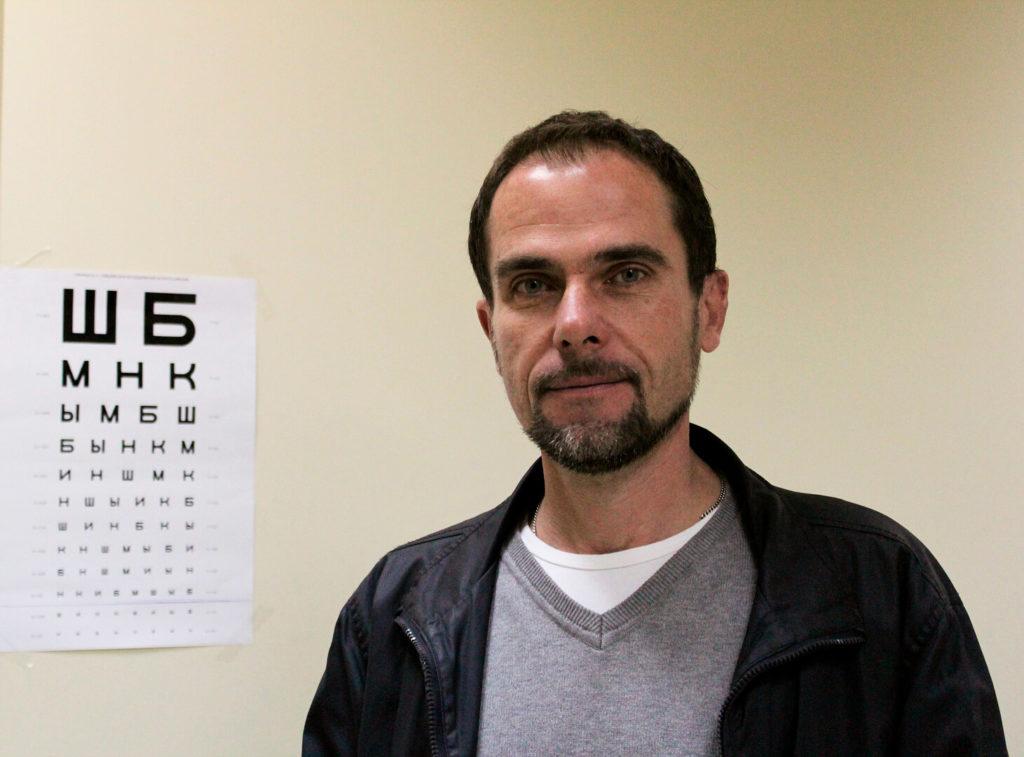 Оптимальное такси 579 отметило Всемирный день зрения проверкой зрения водителям